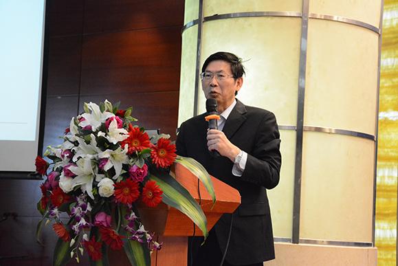 新华社高级记者、新华社新闻研究所特约研究员、《半月谈》原主编林双川