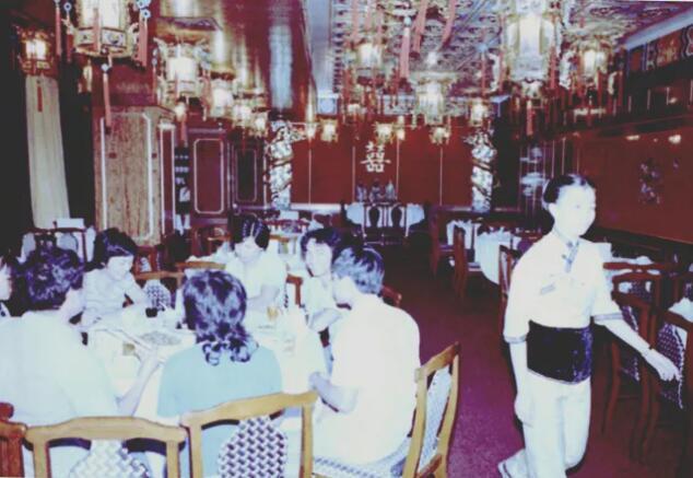 深圳特区老街第一家仿膳餐厅新安酒家开业