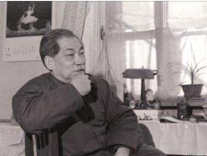 1985年1月蒋齐生在家中