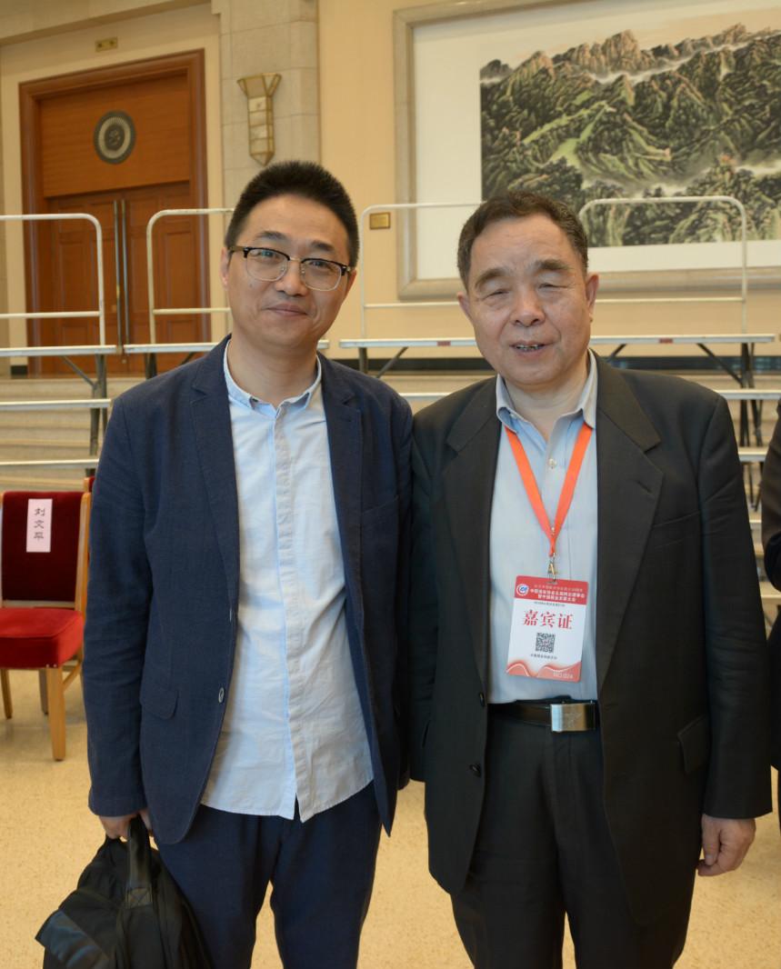 徐鹏飞与原新闻出版总署署长、清华大学新闻与传播学院院长柳斌杰合影