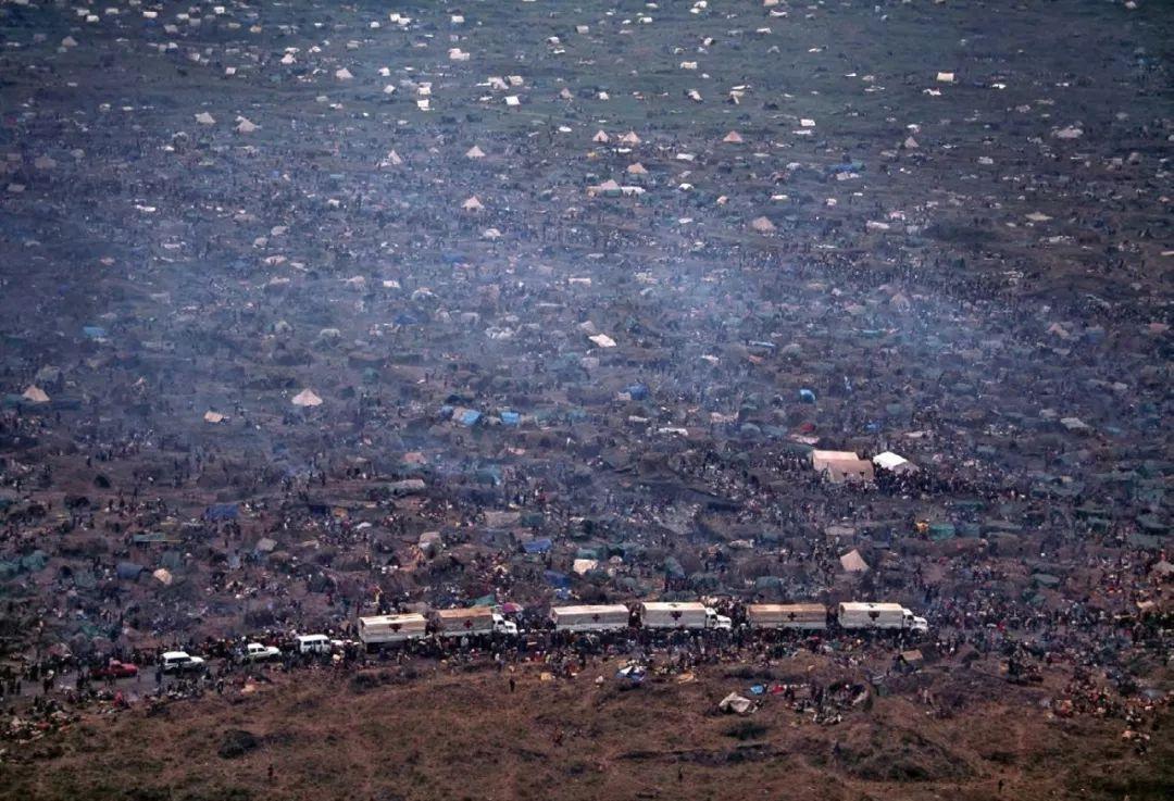 航拍利比亚内战难民营