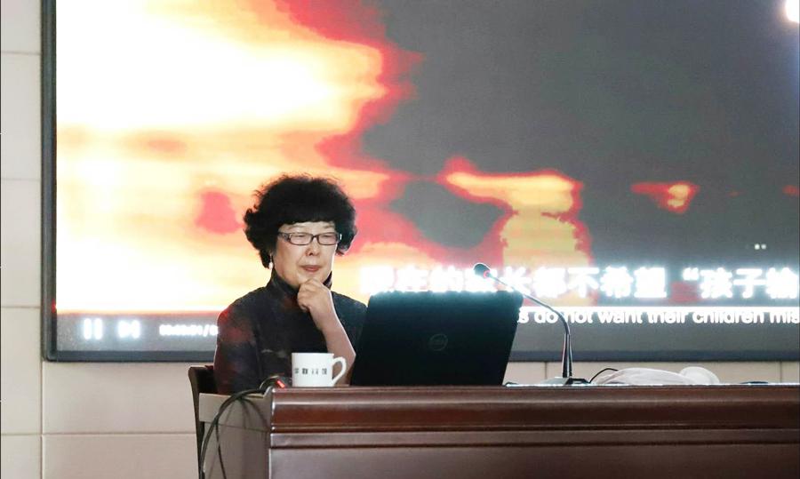 中国摄影家协会副主席、著名摄影理论家、评论家、新华社首位领衔编辑陈小波
