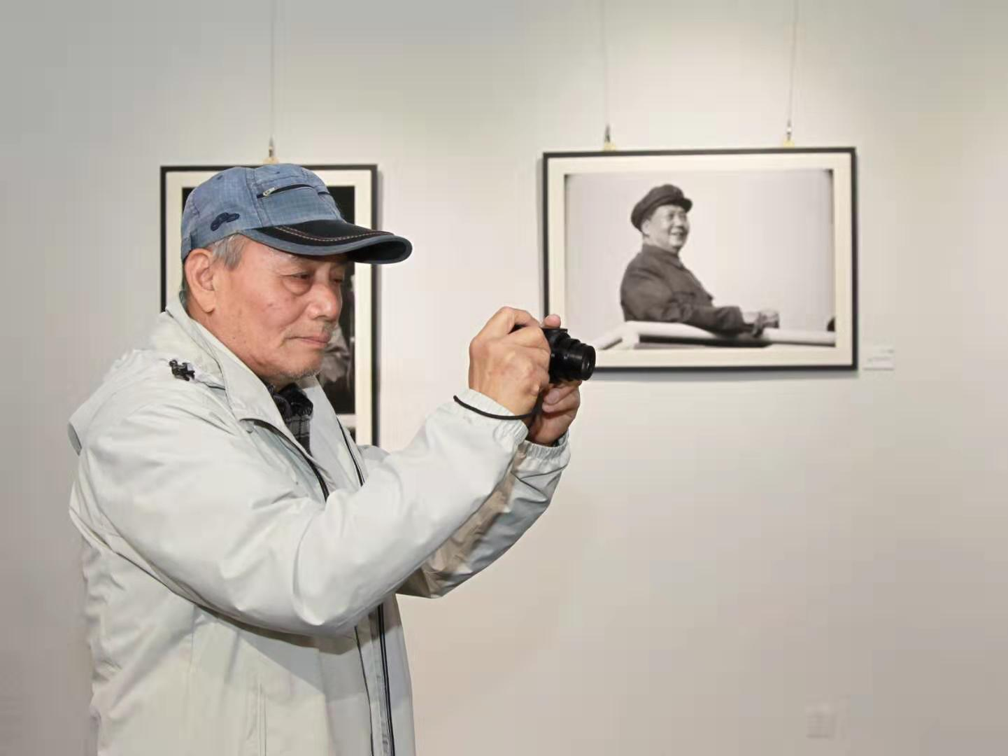 人民日报高级编辑、中国新闻摄影学会学术部副主任、视觉中国内容运营部高级顾问许林