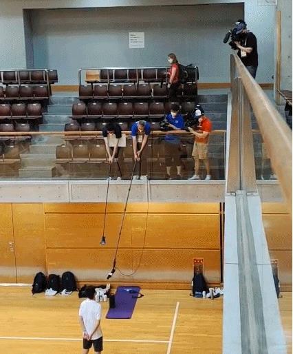 """东京奥运会采访难做,记者自备""""钓鱼竿""""!"""