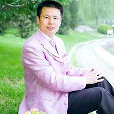 严冰:讲好中国和平发展的故事