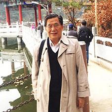 陈特安:人民日报高级记者、人民日报国际部原主任